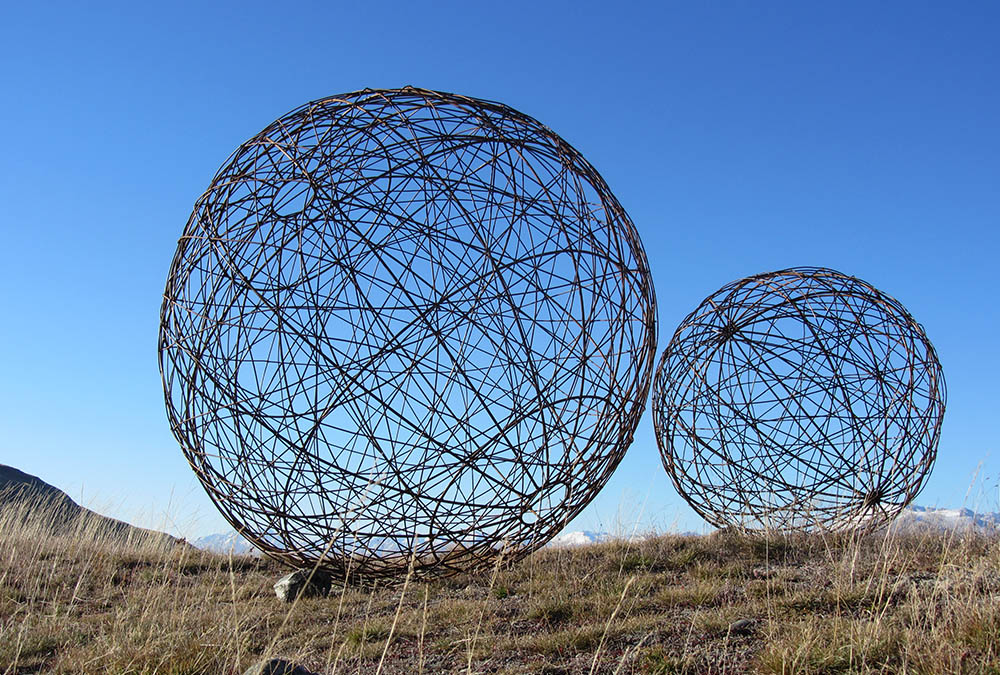 Garden Art Sculptures Made From Recycled Fencing Wire In