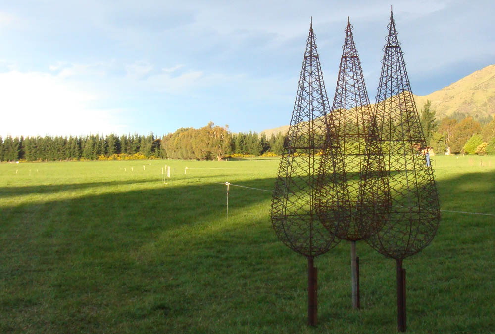 wire trees sculpturs