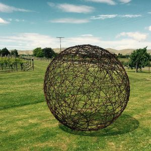 1.5m rusty barbed wire ball